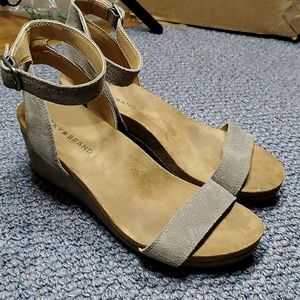 Lucky Brand Karston ankle strap wedge sandals